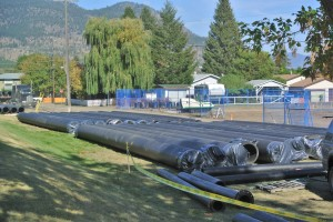 Pipe being placed Voght park Merritt BC Photo KDG
